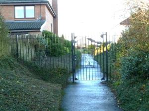 Local Gate small